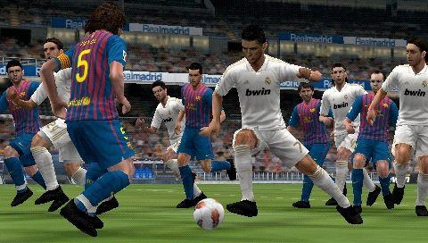 Pro Evolution Soccer 2012 [EUR] (2011) PSP Торрент